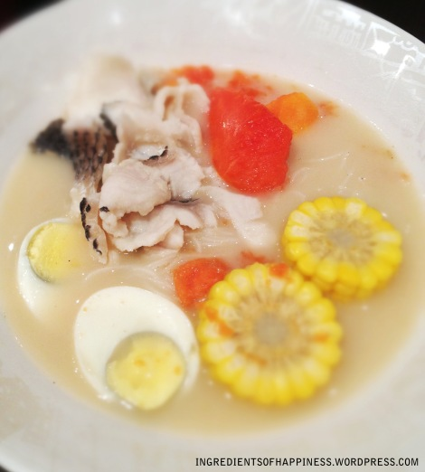 Lovely, milky Papaya Soup Bee Hoon with Fish