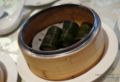 The leaf wrapped glutinous rice rolls