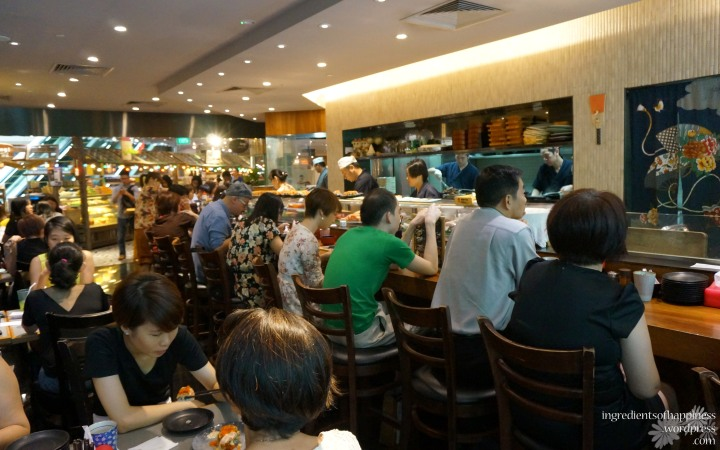 The rather packed Koh Grill & Sushi Bar