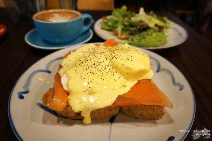 Who doesn't love poached eggs!