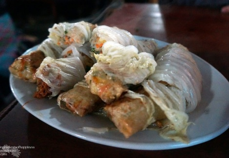 Delicious fried and steamed Vietnamese spring rolls