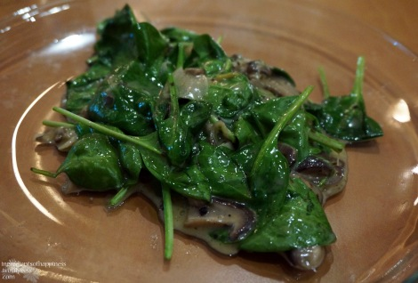 A simple but yummy sauteed spinach and mushrooms side