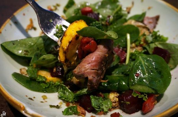 steak-with-salad