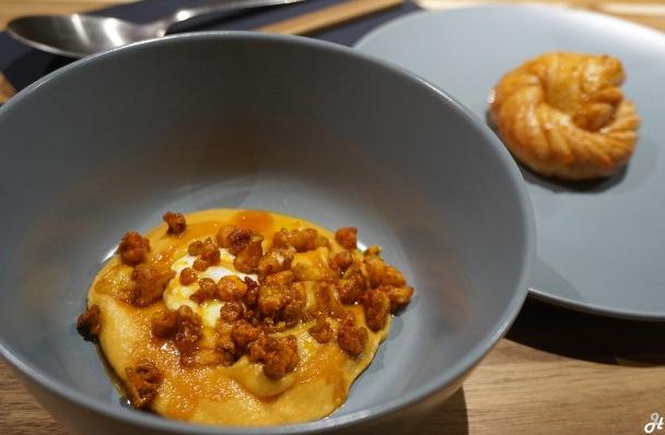 Curried Cauliflower and Mantou Prata